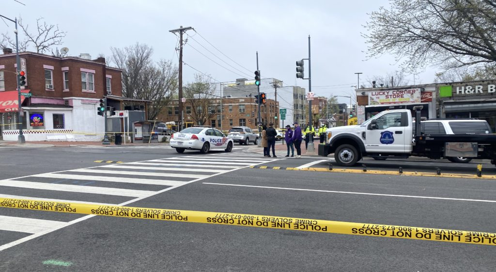 Deadly traffic crash on Georgia Ave NW